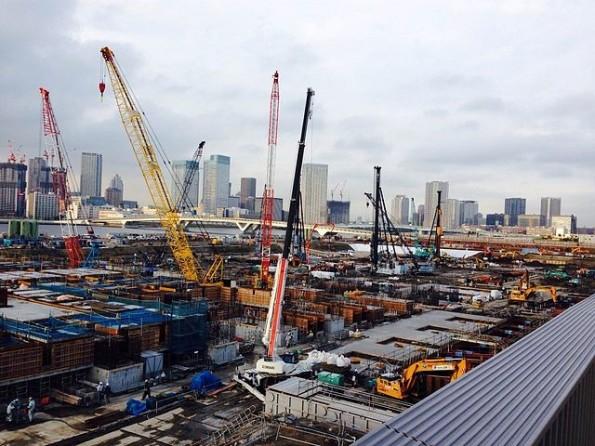 急ピッチで建設が進む、巨大な豊洲市場